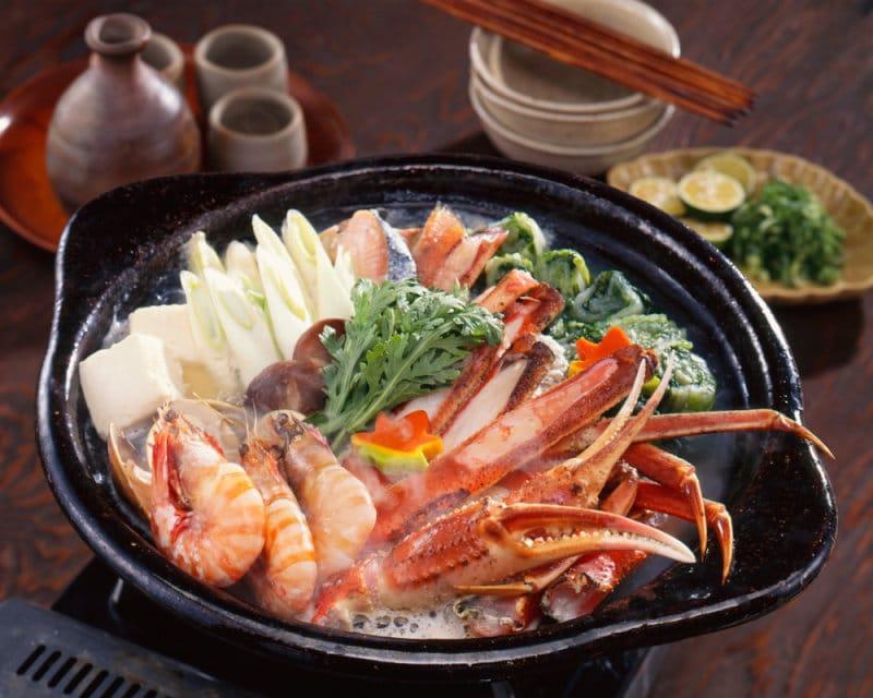 肉に魚介!カニ鍋
